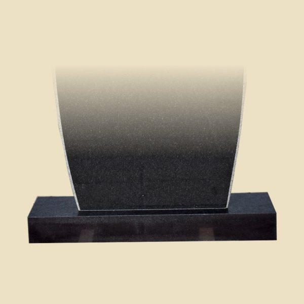 granīta pieminekļa pamats